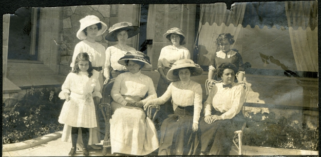 8 Dunsmuir daughters at Hatley