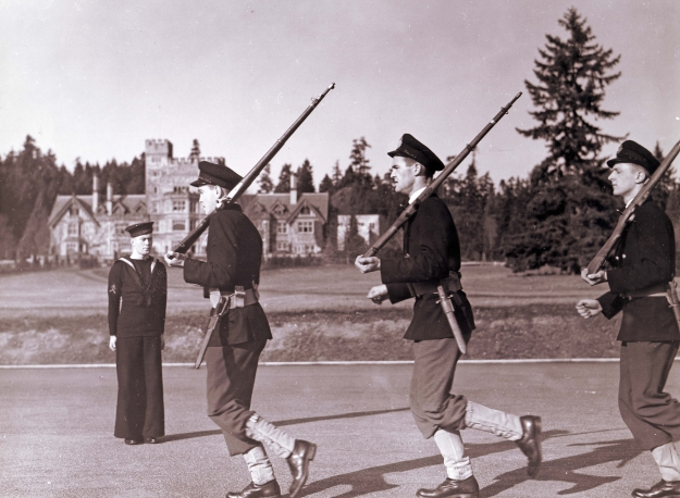 Cadets on drill square with rifles 1940s Woodley RRMC RRU Archives